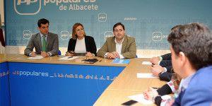 Cospedal reunión Grupo Municipal PP Albacete-210316 (1)