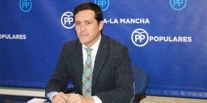 Carlos Velázquez en rueda de prensa-010316