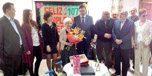 El presidente de la Diputación visitó a la centenaria en 2014 con motivo de su 107 cumpleaños.