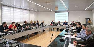 El consejero de Hacienda y Administraciones Públicas, Juan Alfonso Ruiz Molina, preside la reunión de la Mesa General de Negociación de los Empleados Públicos, celebrada en la Escuela de Administración Regional, en la que ha informado sobre el proyecto de Ley de Presupuestos Generales de Castilla-La Mancha para 2016. (Foto: Álvaro Ruiz // JCCM)