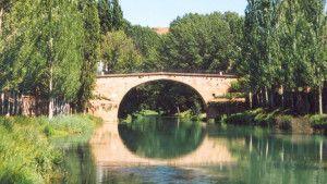 Puente sobre el río Tajo.