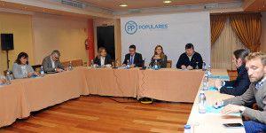 Reunión Cospedal Grupo Municipal Popular Ayuntamiento Ciudad Real-220316 (2)