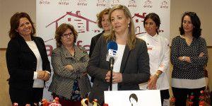 La presidenta de AMFAR, Lola Merino, durante su intervención, ayer en Membrilla (Ciudad Real).