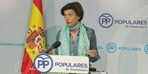 La senadora Ana González hoy en rueda de prensa  190416