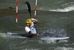 las grajas se enfrentan a la lluvia y el viento en la ii copa de espana de slalom olimpico