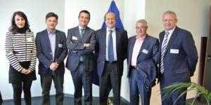 El consejero de Agricultura, Medio Ambiente y Desarrollo Rural, Francisco Martínez Arroyo, mantiene una reunión con el director general de Medio Ambiente en Europa
