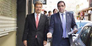 -  Catalá junto a Prieto
