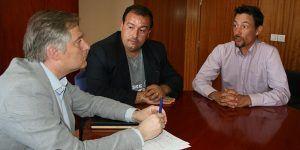 Francisco Cañizares mantiene una reunión con representantes de dos entidades que pertenecen a la Plataforma en defensa de la Pesca, 060616