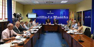 La consejera de Economía, Empresas y Empleo, Patricia Franco, preside la reunión del Consejo de Administración del Instituto de Promoción Exterior (IPEX)