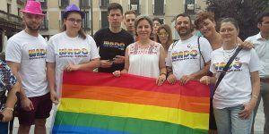 La directora del Instituto de la Mujer en la celebración del Orgullo LGTBI