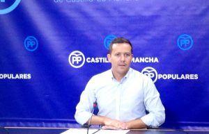 Carlos Velazquez, portavoz adjunto del GPP en las Cortes, hoy en rueda de prensa 090816