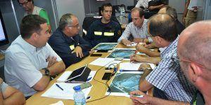 El delegado de la JCCM en Guadalajara se reúne en Puesto de Mando Avanzado en Chiloeches