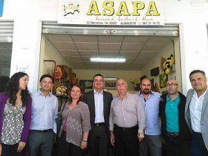 el-gobierno-regional-insta-al-ministerio-de-agricultura-a-que-se-etiquete-la-miel-con-origen-espana-para-aclarar-a-los-consumidores