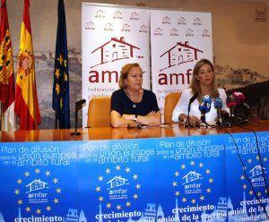 Rosa del Cstillo, presidenta de AMFAR Toledo, y Lola Merino, presidenta nacional de AMFAR.