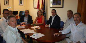 Merino y Cañizares en la reunión con el sector de la caza, 010916