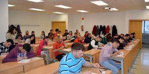 pruebas-acceso-mayores-25-y-45-anos-cr-2015