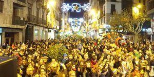 Cientos de conquenses se dan cita en el encendido de la iluminación navideña en Carretería