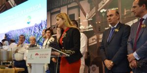 La consejera de Fomento visita el stand de Castilla La Mancha en FITUR   Liberal de Castilla