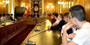Prieto aplaude al IES 'Fernando Zóbel' y al liceo francés 'Hippolyte Carnot' por su proyecto pedagógico común