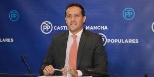 """Velázquez no se cree la versión de la Junta """"Con Page hay 5.000 personas más en las listas de espera que con Cospedal, a pesar del maquillaje aplicado por el PSOE"""""""