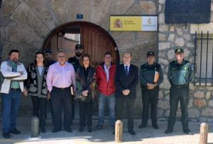 Sánchez-Seco visita el Puesto de la Guardia Civil de Almonacid de Zorita