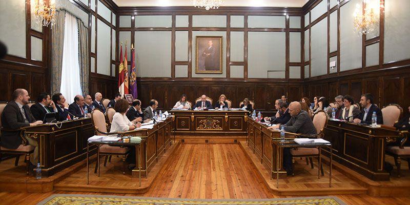 José Manuel Latre recibe a la Plataforma en Defensa del Ferrocarril Convencional