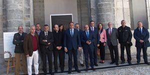 El Claustro de la Catedral acoge la exposición de fotografía del IV Centenario de la Procesión Camino del Calvario