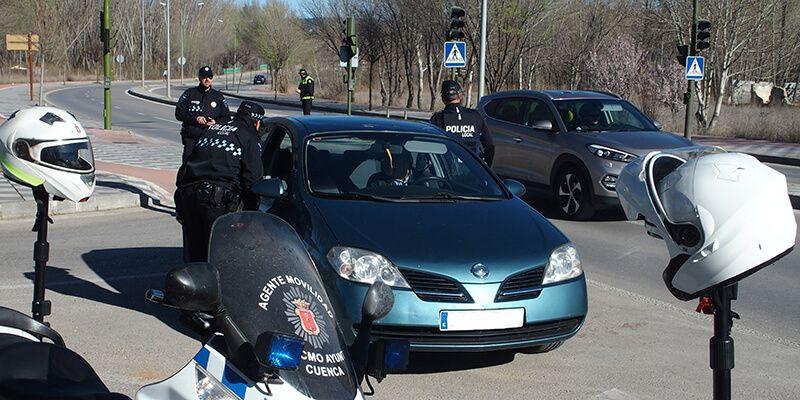 Un total de 111 conductores de los 123 vehículos inspeccionados en Cuenca durante la Campaña Especial de Control usaban cinturón de seguridad