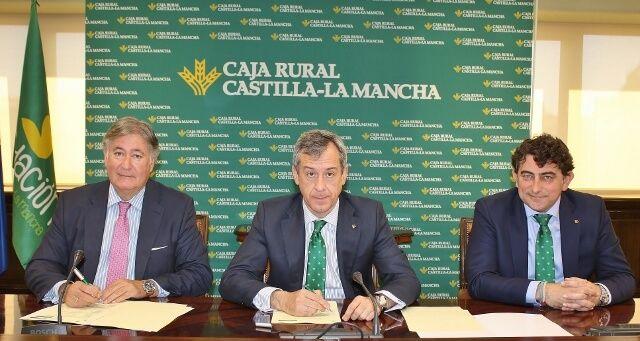 Caja Rural CLM proporciona 100 millones de euros a los veterinarios de la región