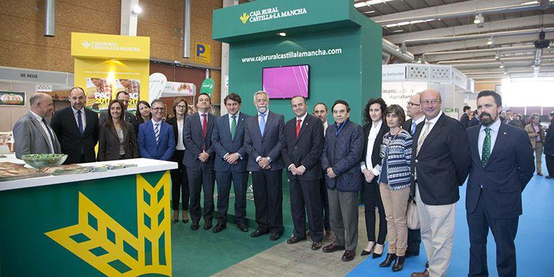 Caja Rural Castilla-La Mancha asiste a la inauguración del II Open de Ganado Frisón en Talavera