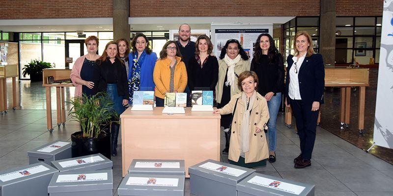 Diputación entrega libros de José Luis Sampedro para clubs de lectura de bibliotecas de la provincia