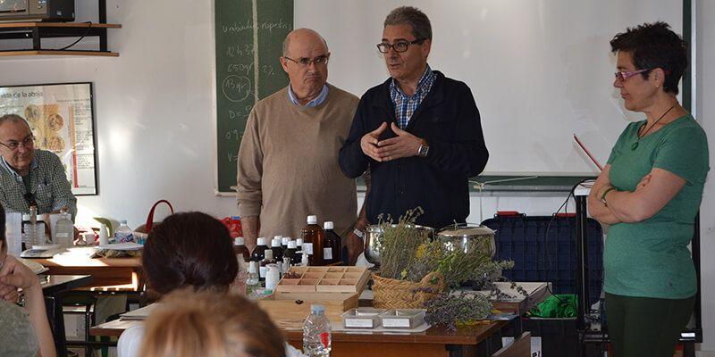 El Centro de Investigación Agroambiental de Marchamalo forma a 20 personas en el uso terapéutico de las plantas aromáticas