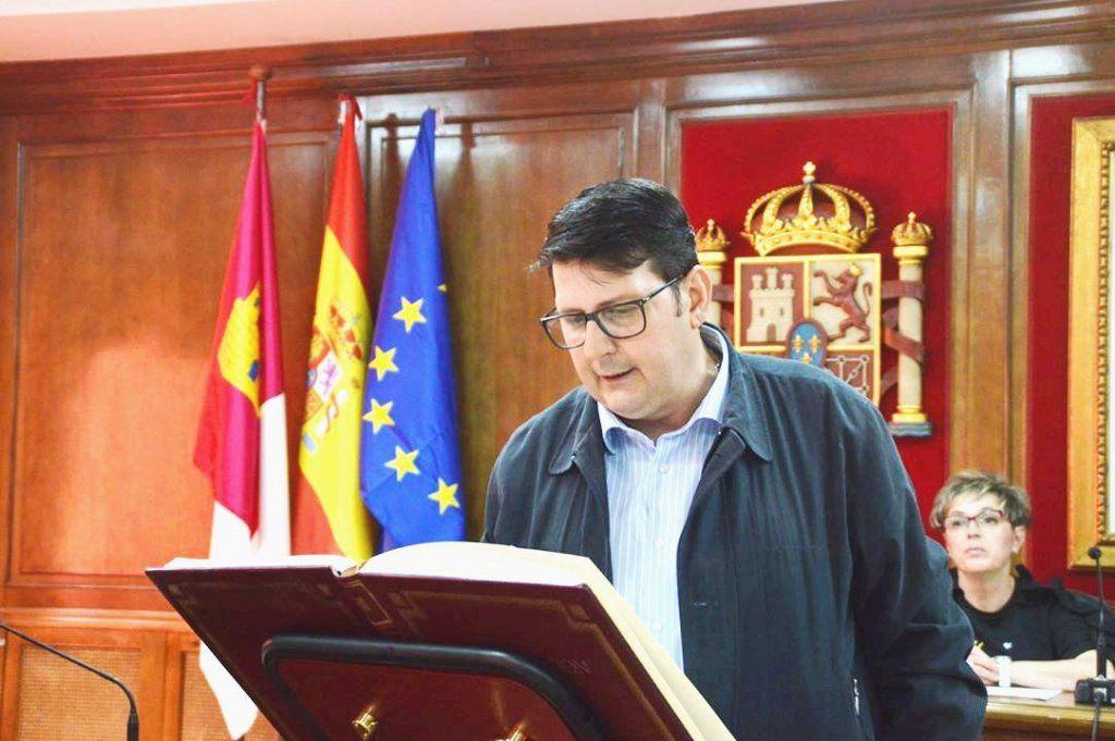 El PP critica que el alcalde de Azuqueca se niega a arreglar los problemas denunciados por los vecinos en la red de alcantarillado y la calzada