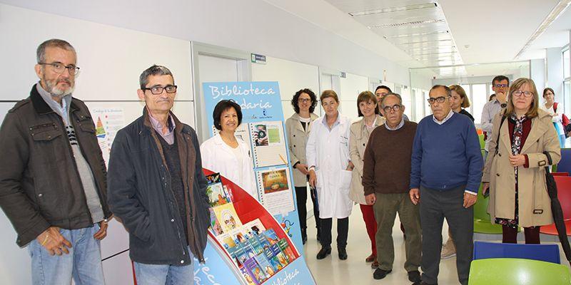 """El programa """"Biblioteca Solidaria"""" incorpora nuevos puntos de lectura al Centro de Especialidades y al Centro de Salud """"Cuenca IV"""""""