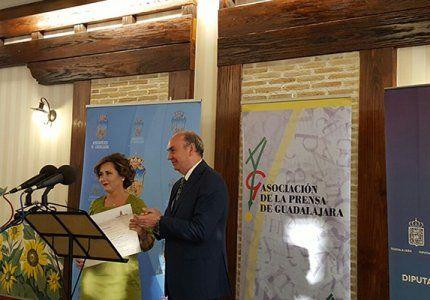 """La Diputación reconoce la labor """"esencial"""" de la Asociación de la Prensa de Guadalajara"""
