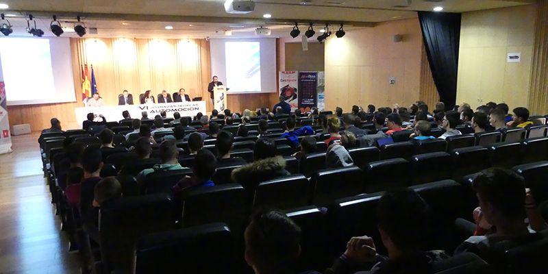 Más de 150 profesionales y alumnos participan en la jornadas técnicas de automoción del Pedro Mercedes