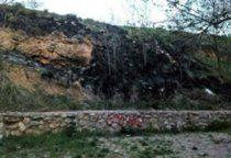 Una familia de Moya denunciará a la Guardia Civil cómo han expoliado los restos de sus familiares del cementerio