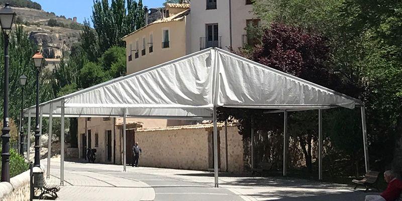 El Ayuntamiento de Cuenca decreta la retirada inmediata de la carpa ubicada en el Paseo del Huécar