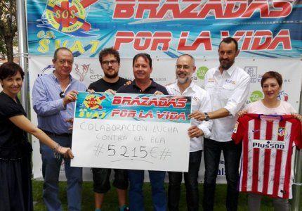El Club de Salvamento y Socorrismo de Tarancón dona más de 5200 euros a la lucha contra la ELA