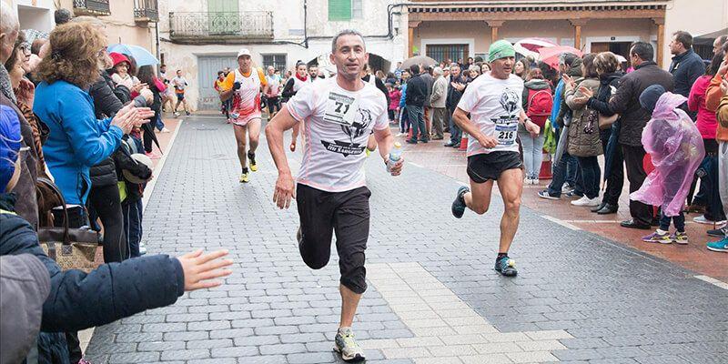 Los atletas David Magán y Sonia Plaza imponen su dominio en la XIV Carrera Popular de San Lorenzo de la Parrilla