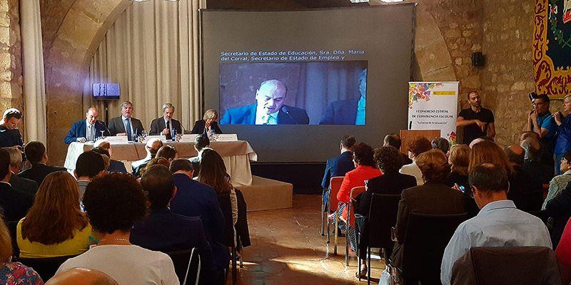 """Méndez de Vigo asegura en Sigüenza que en los centros escolares se tienen que adquirir conocimientos, pero también valores"""""""