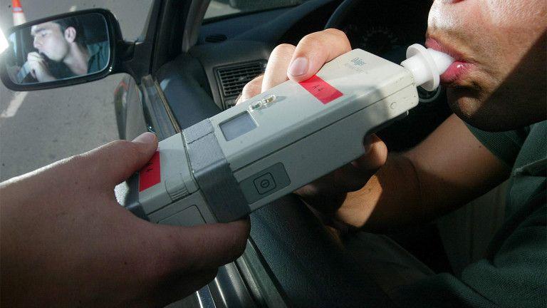 Tres detenidos en Guadalajara por conducir pasados de copas.... Y alguno con muy malas pulgas