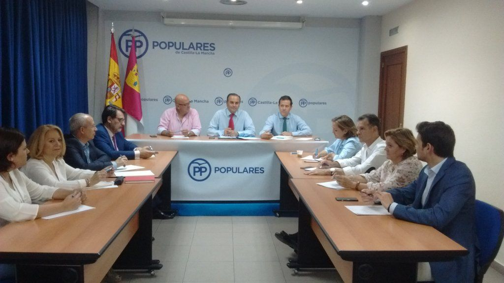 """Velázquez """"El PP se presenta como un partido fuerte y unido al servicio de los ciudadanos frente a un PSOE dividido"""""""