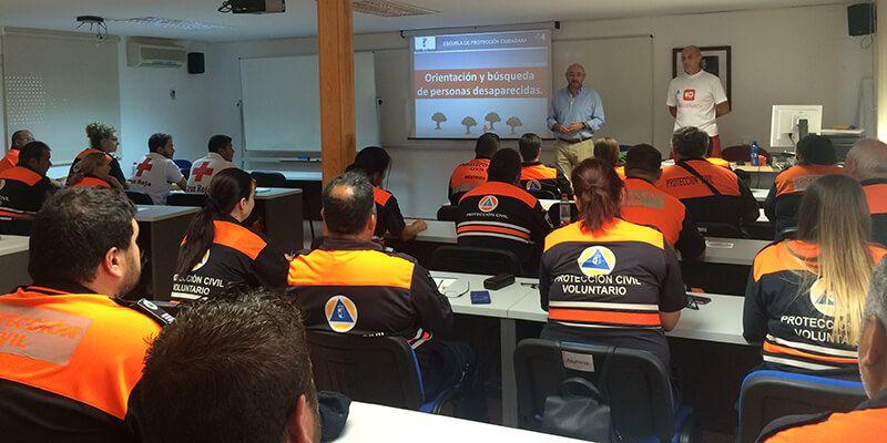 30 voluntarios de Protección Civil y Cruz Roja se forman en el curso 'Orientación y Búsqueda de Personas Desaparecidas'