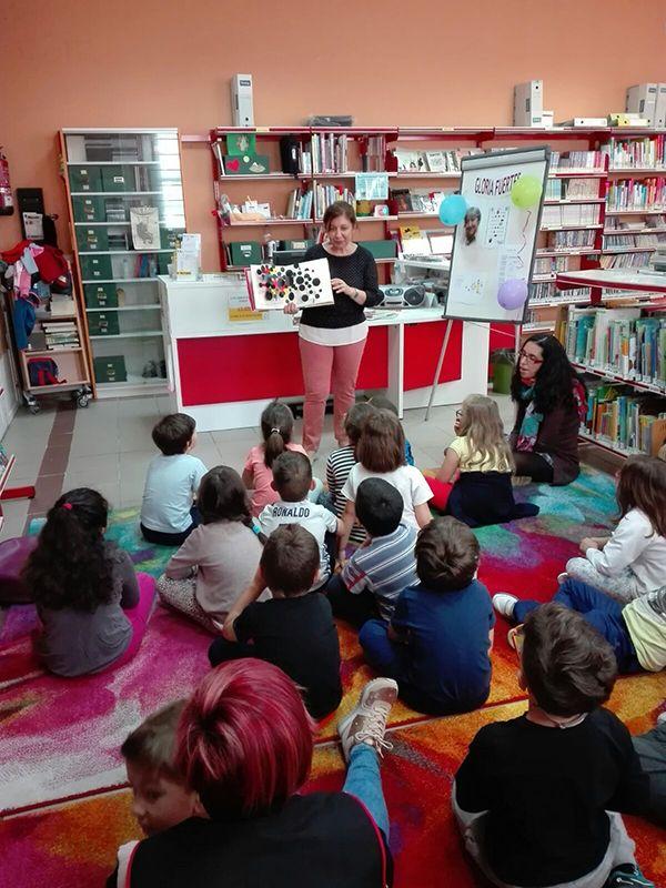 Alumnos de Infantil y Primaria del CEIP Virgen de la Paz participan en el programa de formación de la biblioteca de Alovera