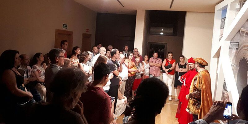 Cerca de 400 personas participan en la quinta edición de las 'Visitas Nocturnas al Castillo de Torija'