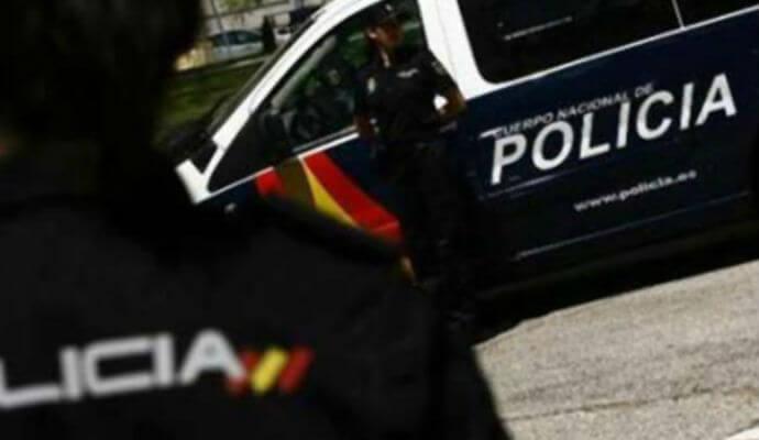 Dos detenidos, pillados in fraganti mientras robaban en un establecimiento de Cuenca