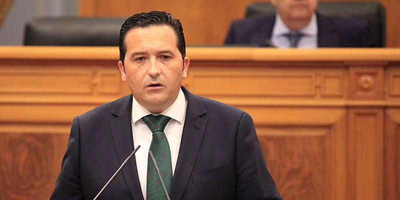 El PP exige a Page que destine 30 millones de euros para un plan de choque contra las listas de espera
