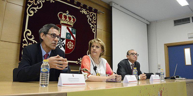 Expertos analizan en la Universidad regional la nueva Ley de Contratos del Sector Público