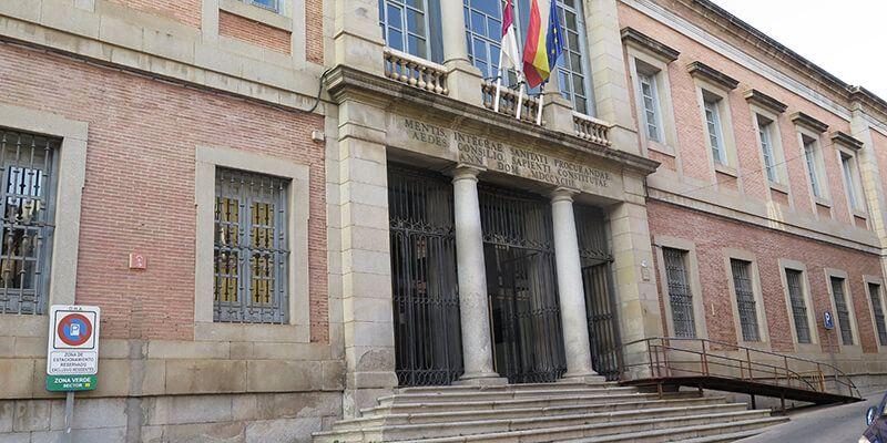 Hacienda inicia la resolución del contrato del servicio de vigilancia en los edificios de la Junta al no aplicar la empresa el convenio